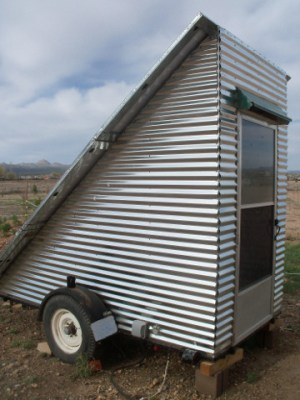 Mobile offgrid solar power system