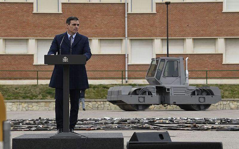 Pedro Sánchez apisonadora