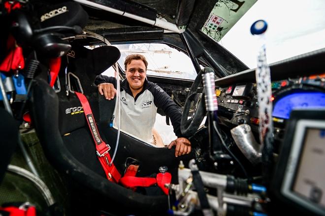 Dakar fuertes interior coche