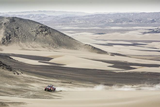 al-attiyah toyota desierto