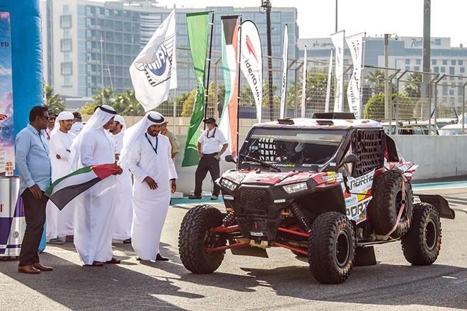 Abu Dhabi Desert Challenge salida Pena polaris cross country