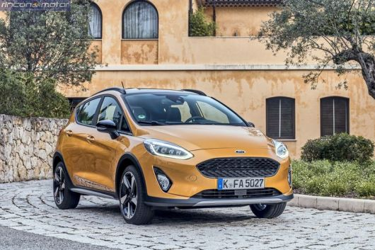 Ford Fiesta Active 2018 set-0705-01