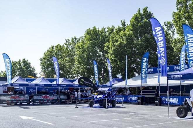 Yamaha Cup stand