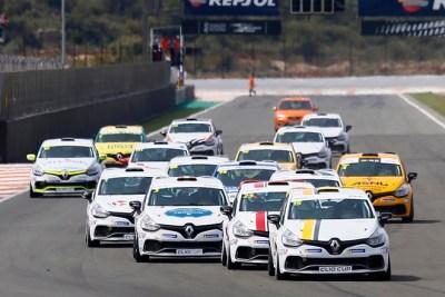 Milán y Pouget inauguran la temporada de la Clio Cup