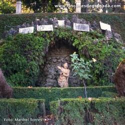 FUENTE DE LA NINFA DE LA GRUTA Se sitúa en la entrada del Carmen de Los Mártires.