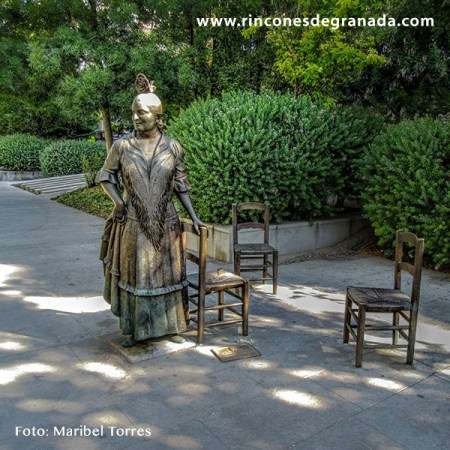 "MONUMENTO A MARÍA GÓMEZ HEREDIA ""LA CANASTERA"""