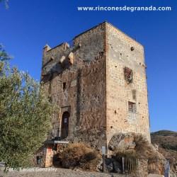 CASTILLO DE LOS ULLOA Se localiza en la parte alta de Vélez de Benaudalla