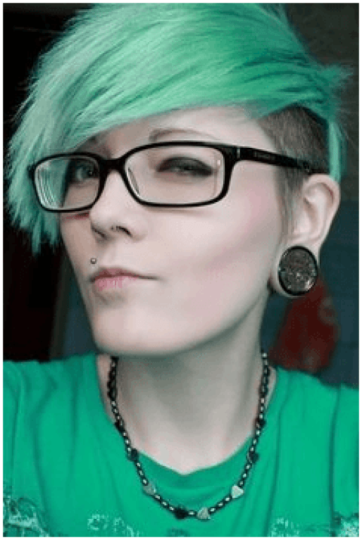 Green Exotic Hairstyle For WomenGreen Exotic Hairstyle For Women