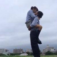 【悲報】最近のリア充高校生カップルのキスの仕方をご覧ください