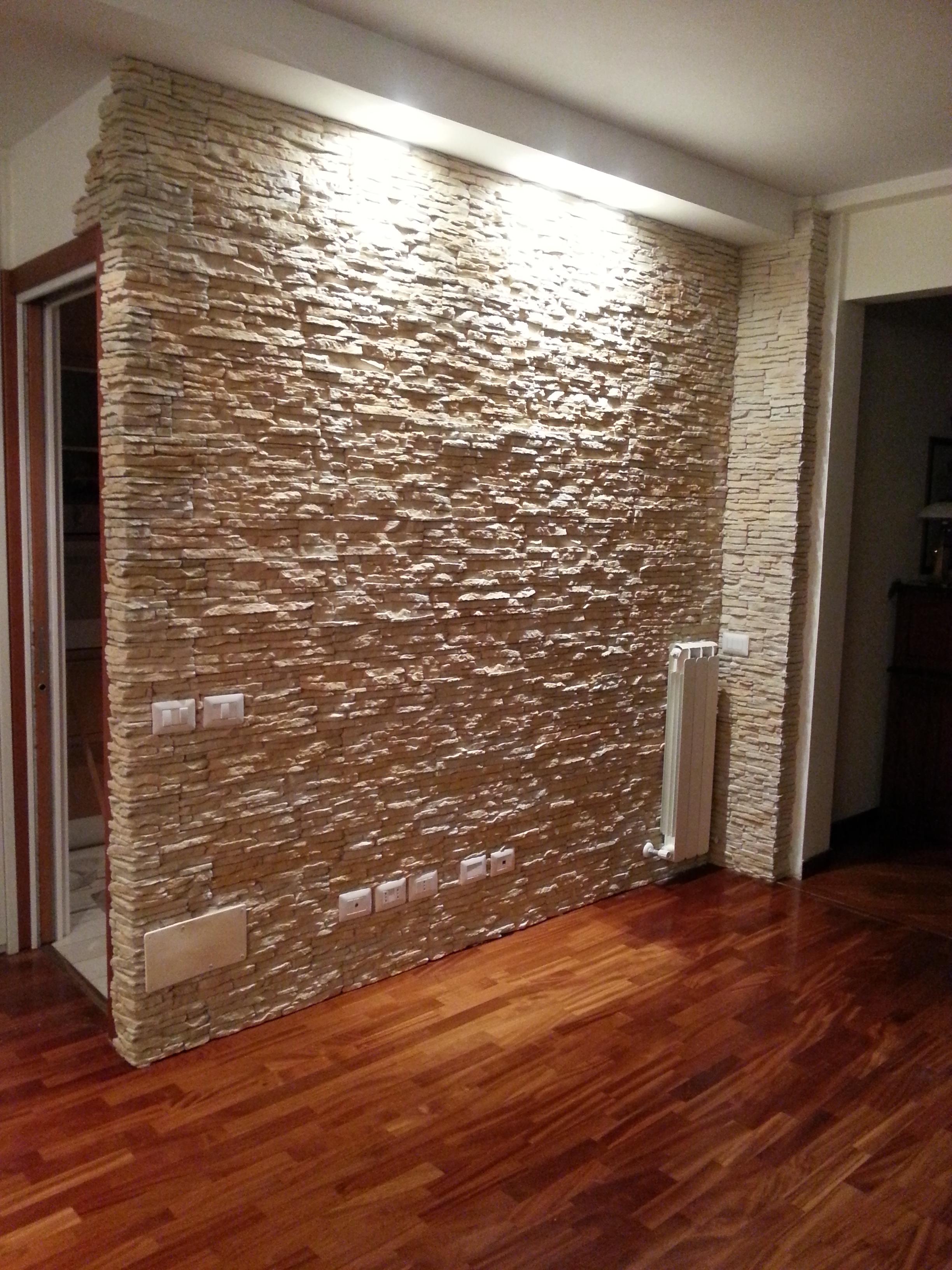 Rivestimento in pietra per interni: Il Soggiorno Rinnovare Con La Pietra