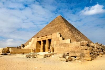 ピラミッドの目的とは?謎多き神秘の巨石建造物は何を物語る