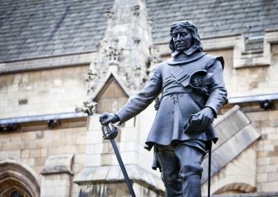 ピューリタン革命(清教徒革命)とは?英国で最初で最後の共和制を実現させたこの革命をわかりやすく解説