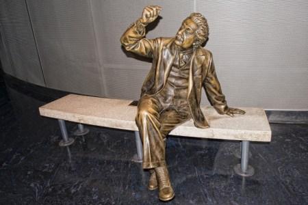 アルベルト・アインシュタインとは?偉大なる業績をざっくり解説!
