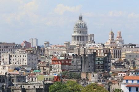 キューバ革命の英雄「カストロ」議長をわかりやすく解説
