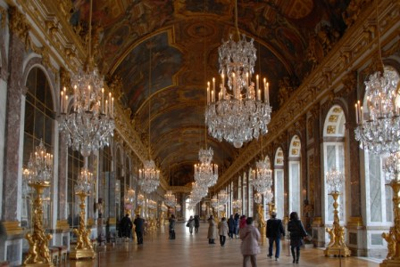 世界で最も華麗で豪華な建造物「ヴェルサイユ宮殿」の歴史をわかりやすく解説