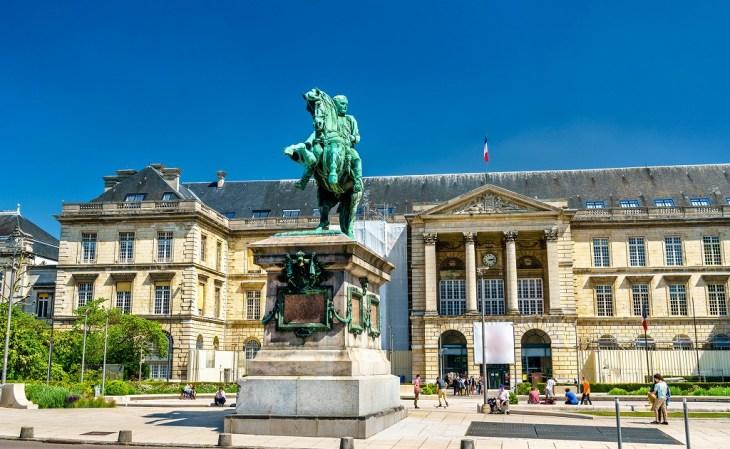 フランスの英雄であるナポレオンの生涯について解説!【誕生から失脚まで】 - Rinto~凛と~