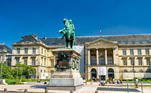 フランスの英雄「ナポレオン」の誕生から失脚までをわかりやすく解説