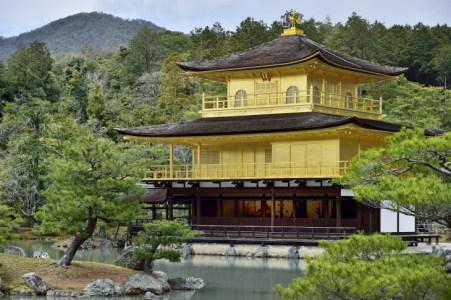 足利義満が建てた「金閣寺」ー歴史や北山文化の特徴についてわかりやすく解説
