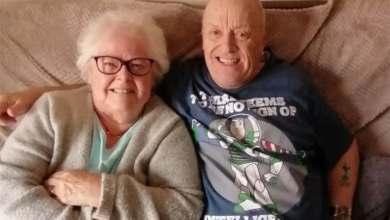 Photo of Dejó a su esposa para casarse con su suegra y fue preso, pero ahora ya llevan 30 años juntos