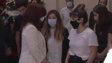 Photo of Dalma y Gianinna se negaron a abrazar a Cristina Kirchner