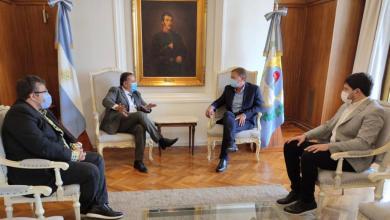 Photo of El gobernador Ricardo Quintela fue recibido por las principales autoridades de la provincia de Mendoza