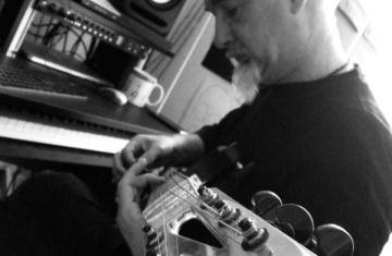 Baritone Guitar Washes Studio Session - Eraldo landscape