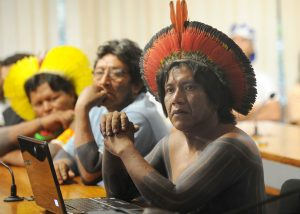 Indigenous groups participating in a debate about the consequences of the Belo Monte dam, photo by Wilson Dias/Agência Brasil.