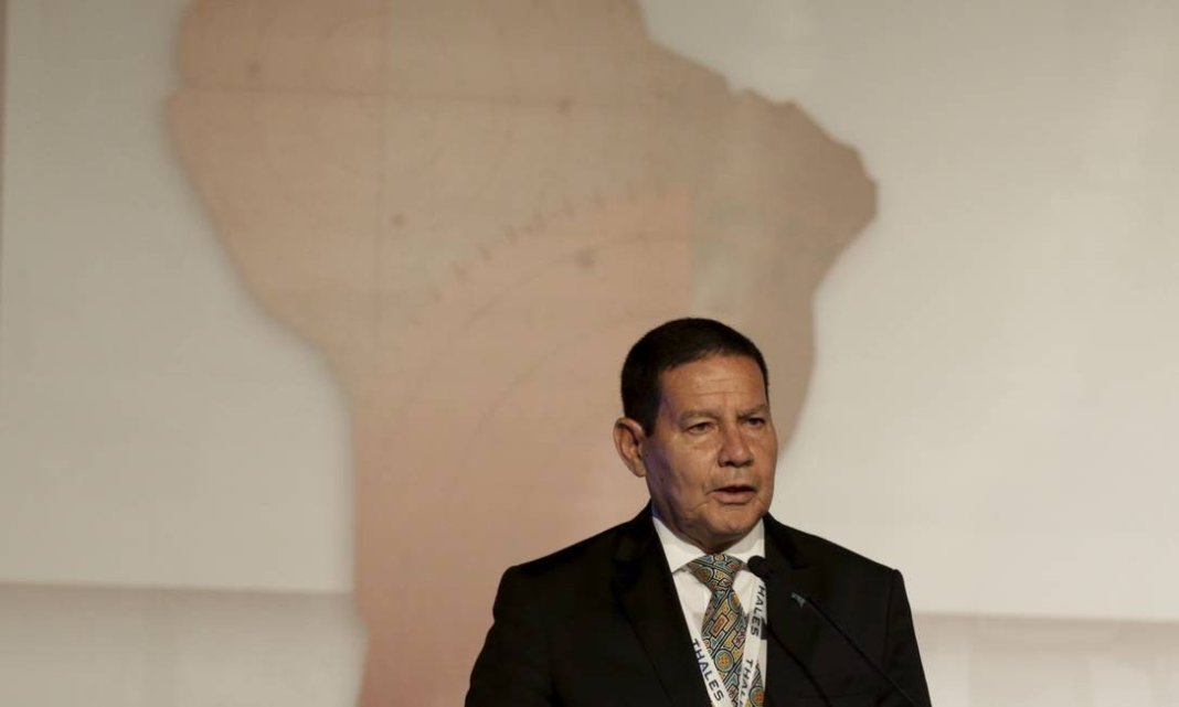 Mourão used the same social network to refute the comment and said that de Blasio attacked Bolsonaro without knowing him.