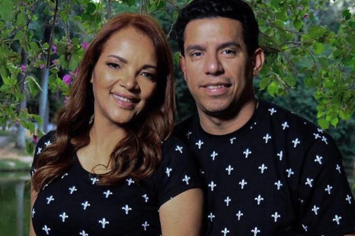 Pastor Anderson do Carmo and his wife, Federal Deputy Flordelis dos Santos Souza. (Photo: Internet reproduction)