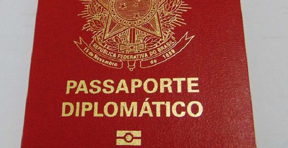 In the first four months of this year alone, 986 diplomatic passports have been granted. In 2018, there were 1200 all year round.