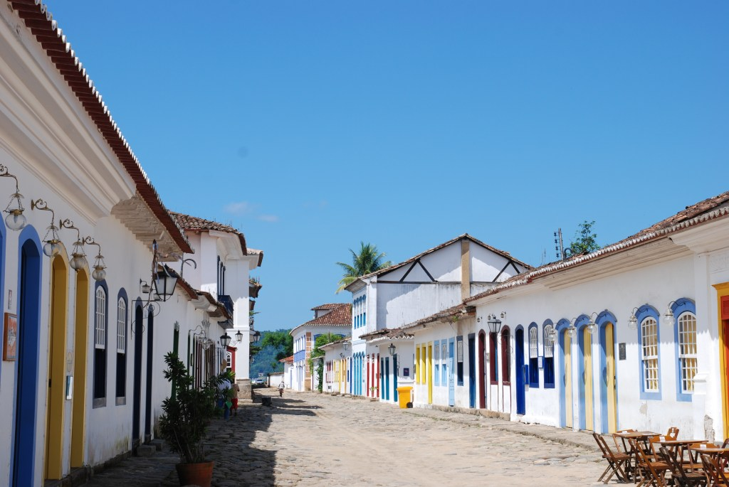 Paraty is a small town designed over 500 years ago by the Portuguese colonizers and home to an impressive heritage.