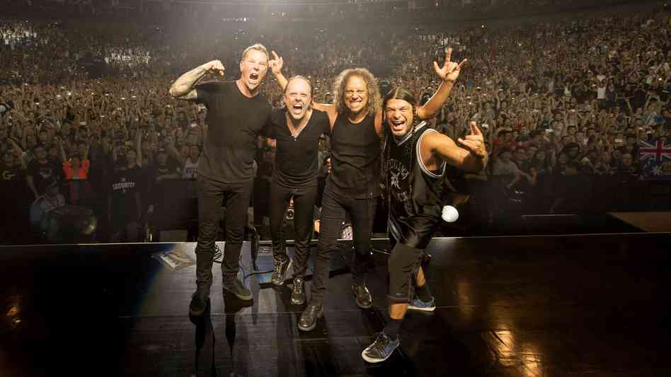 metallica-at-mercedes-benz-arena-by-ross-halfin_wide-6b076ba4998b3502cbcc494b8d18f9725482e332-s6-c30