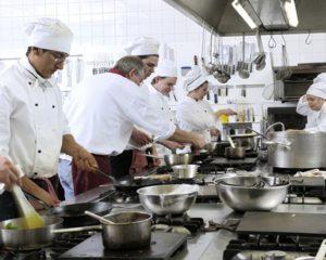 Cozinheiro, Operador de Dedetização - R$ 1.412,95 - Trabalhar em equipe, ter proatividade - Rio de Janeiro