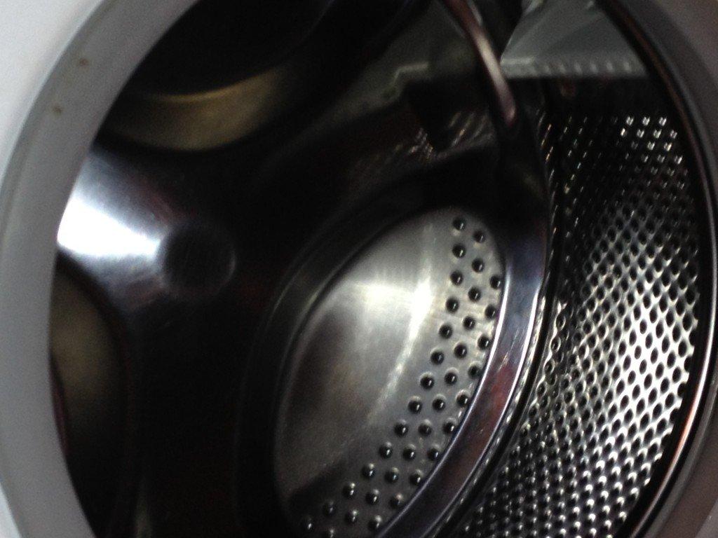 lavatrice pompa gira ma non