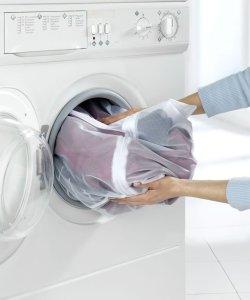 lavatrice strappa i panni