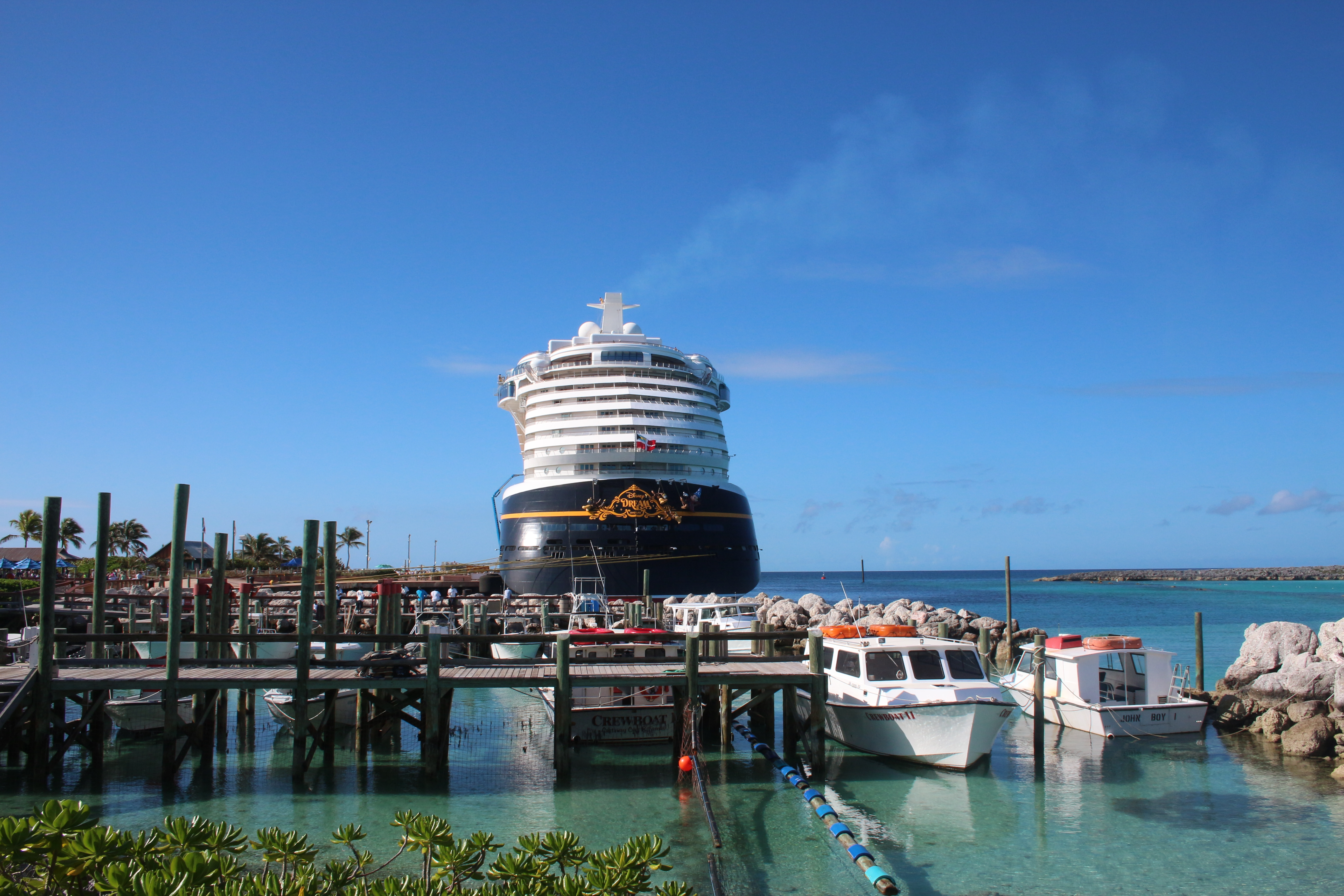 What I love about the Disney Dream - A Review of the Disney Dream|Ripped Jeans and Bifocals