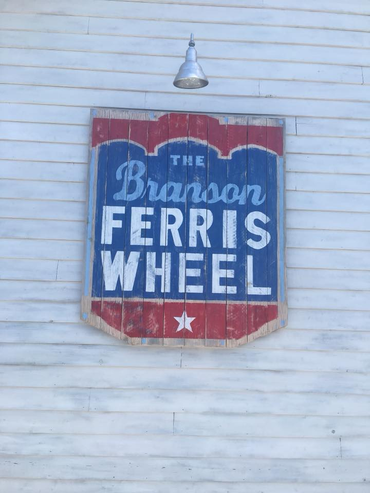 10 things that are awesome about Branson Missouri|Ripped Jeans and Bifocals