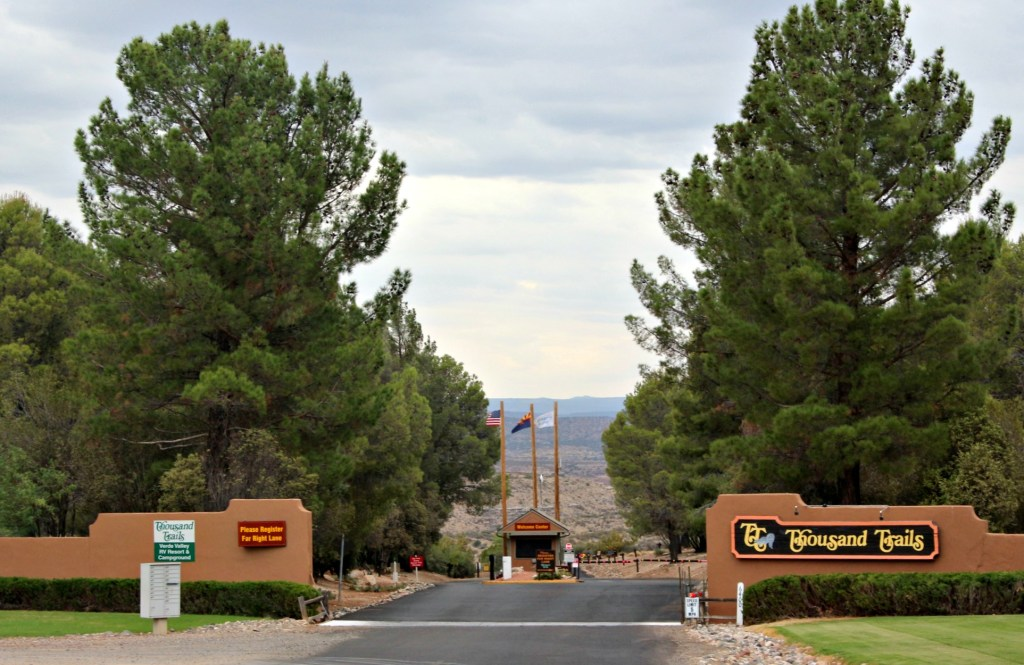 Reasons to stay in a Thousand Trails RV Camping Resort (even if you don't have an RV or like to camp)|Ripped Jeans and BIfocals