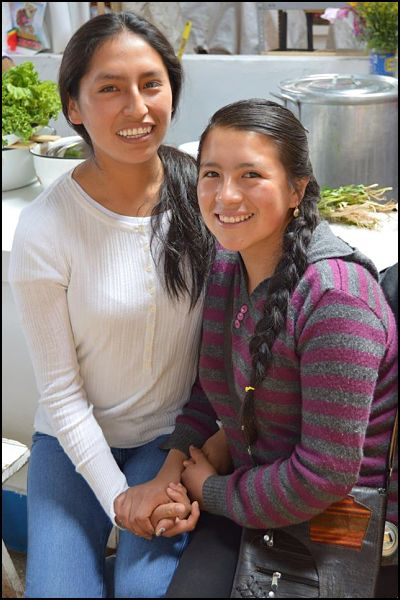 Picture of two Peruvian Hearts Scholars