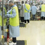 """Două fabrici din Sânnicolau Mare """"importă"""" muncitori din Serbia"""
