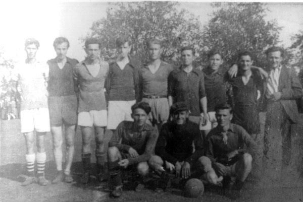 """Clubul de fotbal """"B. N.S."""" în anul 1940"""