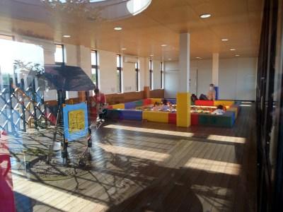 小さい子が安心して遊べるエリア  アンデルセン公園 ブロック&遊具