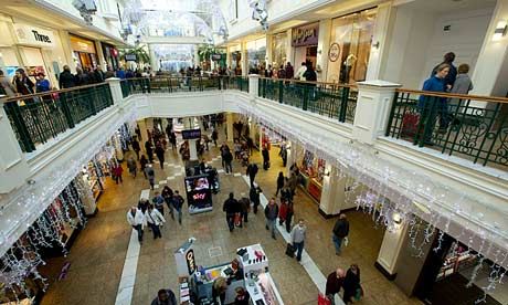 https://static.guim.co.uk/sys-images/Guardian/Pix/pictures/2012/12/14/1355513871345/Christmas-shoppers-at-the-010.jpg