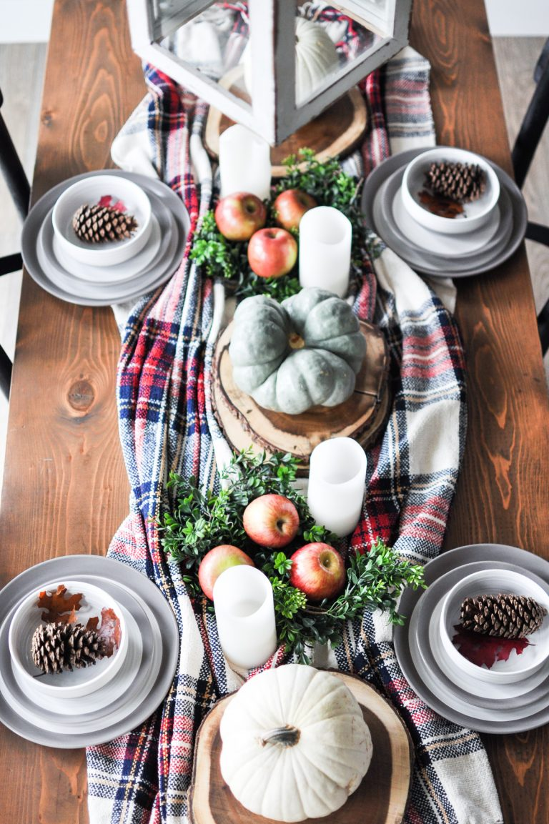 Thanksgiving Table Ideas - plaid blanket decor