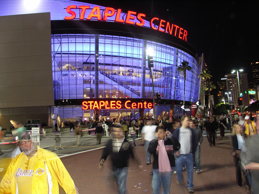 Lakers fans leave the Staples Center in Los Angeles. Photo Credit:johrling/Flickr (CC By 2.0)