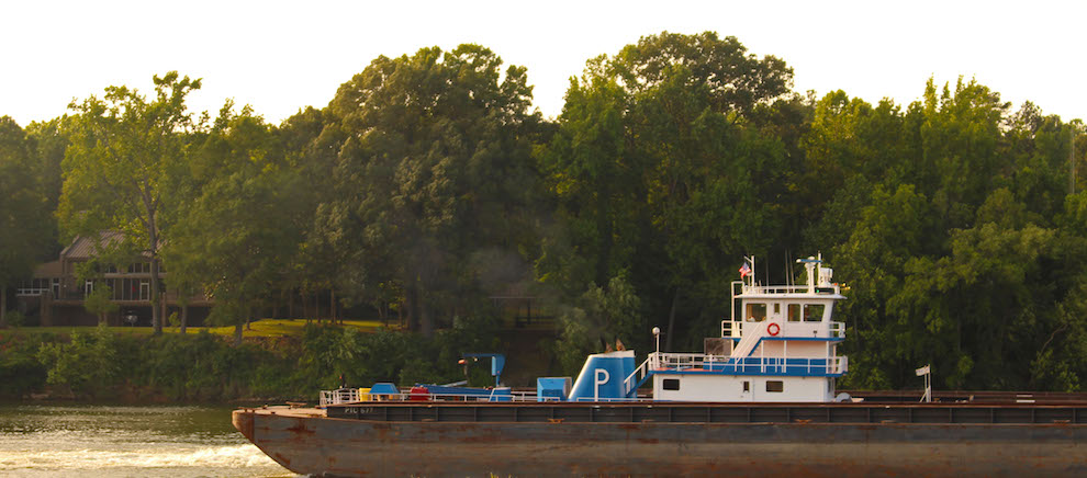 A tugboat on the Black Warrior River. Photo Credit: Caroline Vincent
