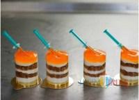 Terinspirasi Vaksin Covid-19, Kue Ini Hadir Lengkap Dengan Suntikannya