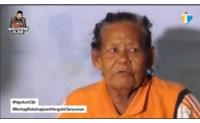 Nenek 1 Abad yang Tinggal di Rumah Bau Menyengat dan Sempit