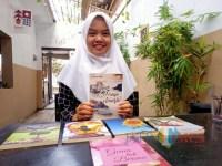 Mahasiswa Unisba Blitar Luncurkan Buku Sajak Merayu Semesta