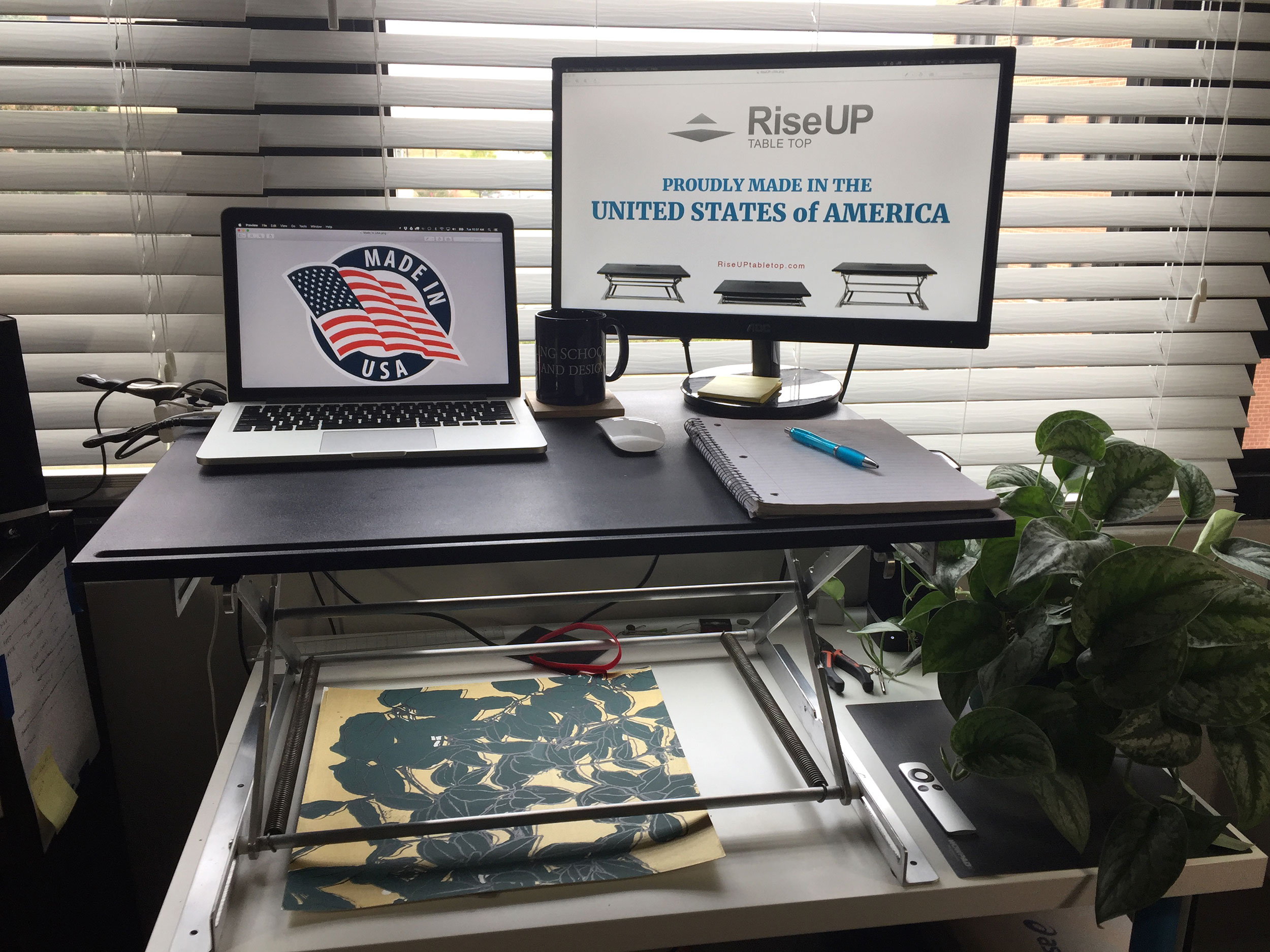 RiseUP Stand Up Desk